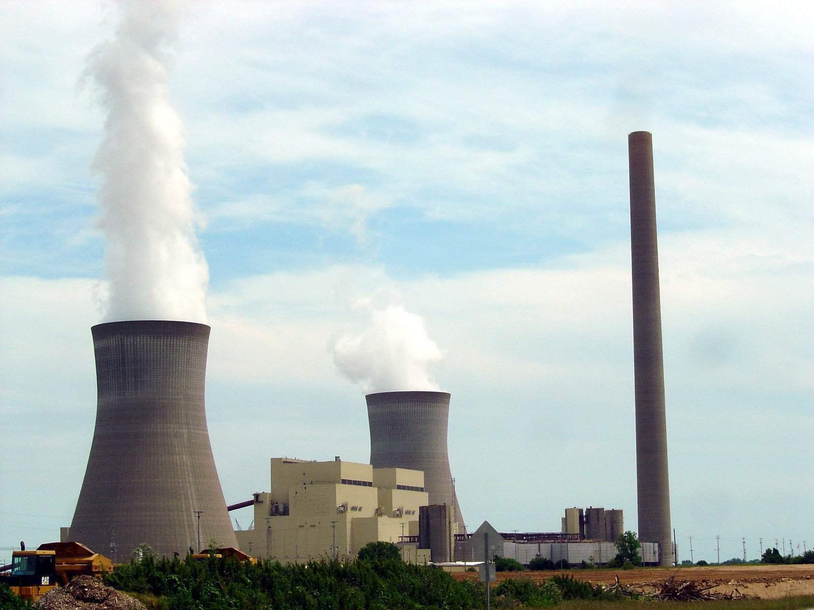 What are the different types of power plants used to