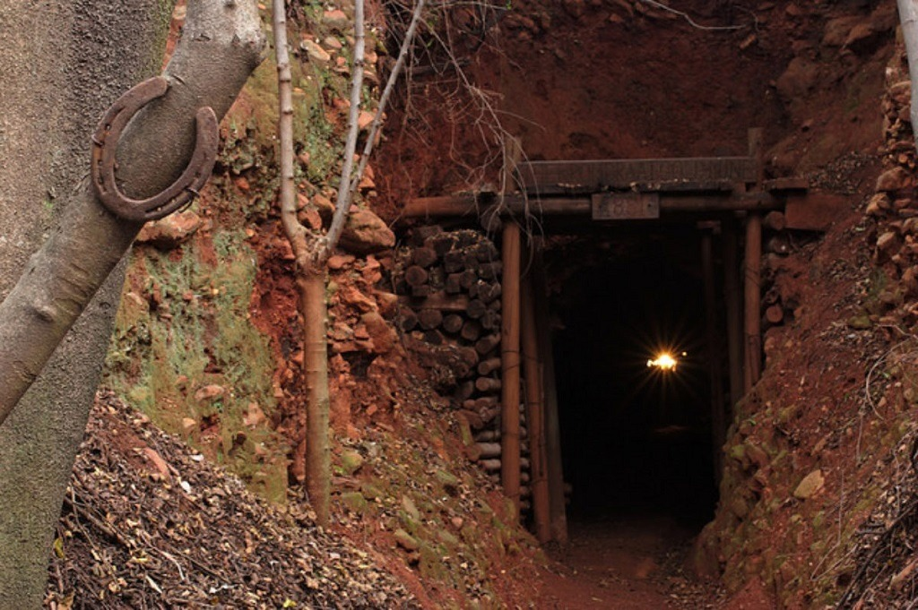 gold mines in south africa